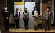 Entrega simbólica de kits de emergencia a organizaciones de la sociedad civil