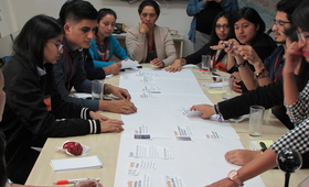 Representantes de organizaciones juveniles participan en el Grupo de Acompañamiento de Jóvenes